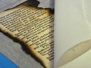 La biblioteca dei Libri Bruciati: il luogo dove la Memoria è sopravvissuta alla barbarie nazista