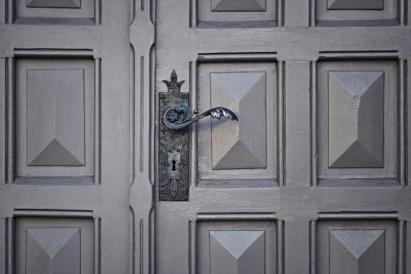 Il fabbro e la sicurezza della casa: come essere prudenti