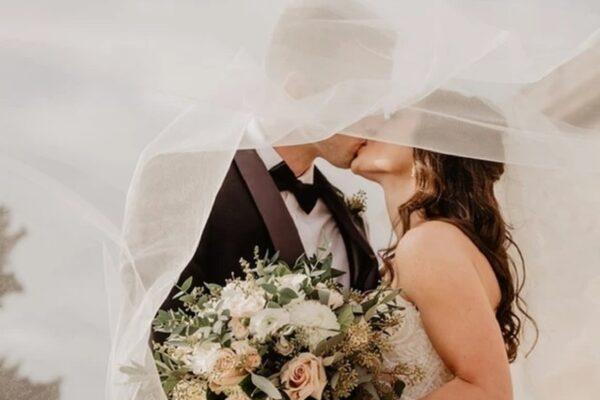 Che tipo di scollo preferire per un abito da sposa